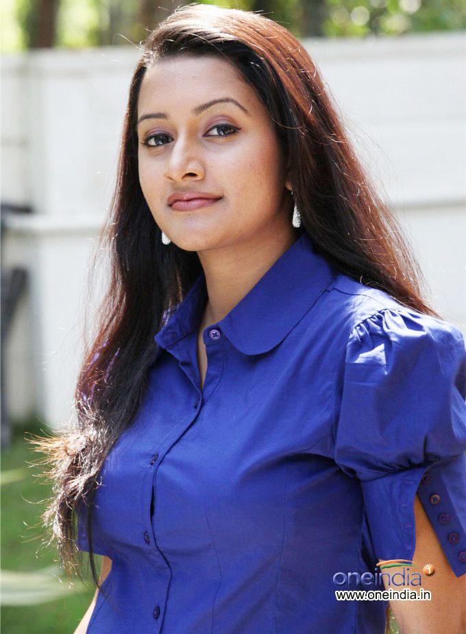 Mallus 101 Aswathy Ashok Malayalam Actress Tv Anchor Hot-2103