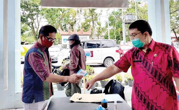 Samsat Padang Wajibkan 3m Bagi Pegawai Dan Pengunjung