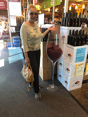 Resident Astronomer Peggy discovers how to have just one glass of wine per day (Source: Palmia Observatory)
