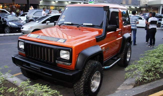 gambar mobil feroza modifikasi merah maron