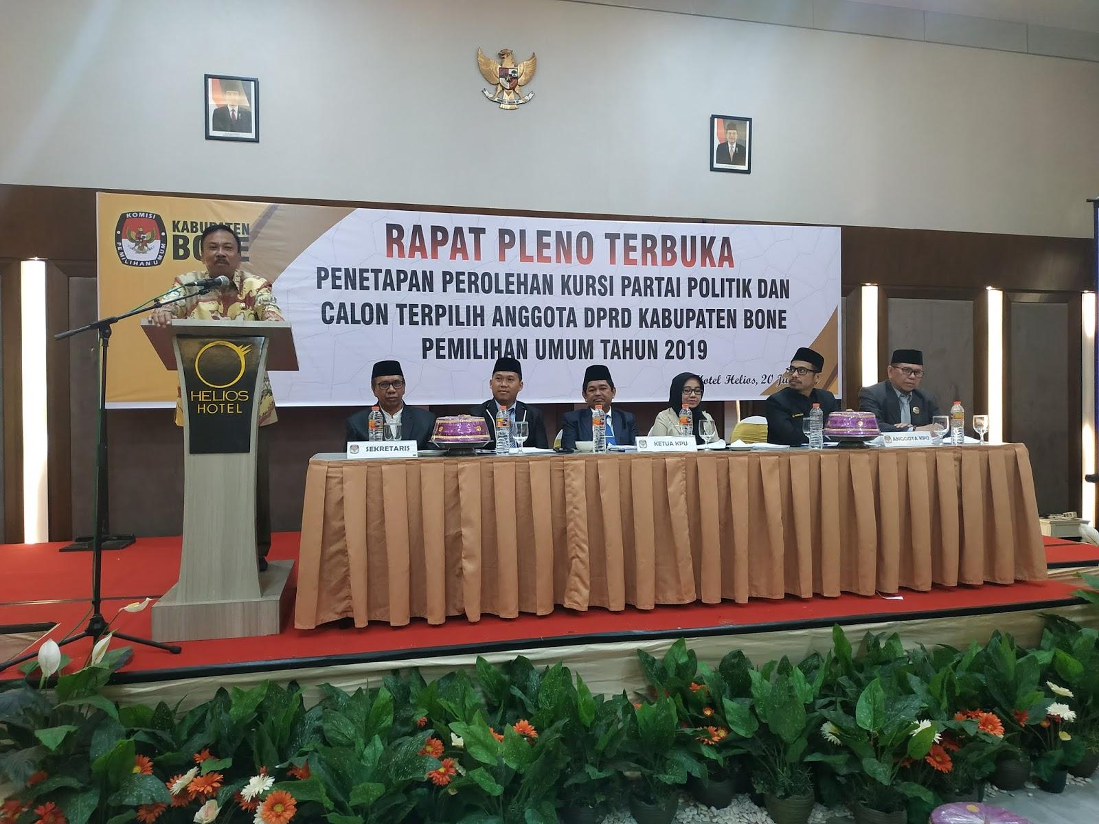 Saksi Parpol Terima Hasil, Rapat Pleno Terbuka KPU Kabupaten Bone Berjalan Lancar