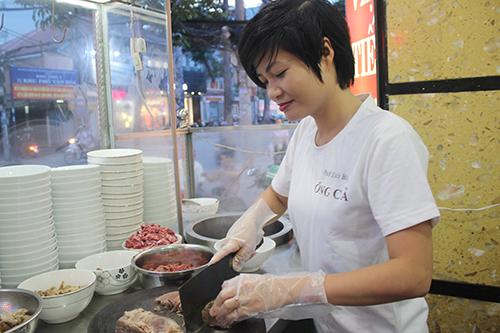 Cô chủ tiệm thời trang Sài Gòn mở quán phở gia truyền kiếm hơn 500 triệu/tháng