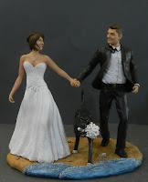 top cake statuine matrimonio personalizzate sposi corsa cane orme magiche