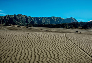 Savana Hill and Whispering Sand Mount Bromo