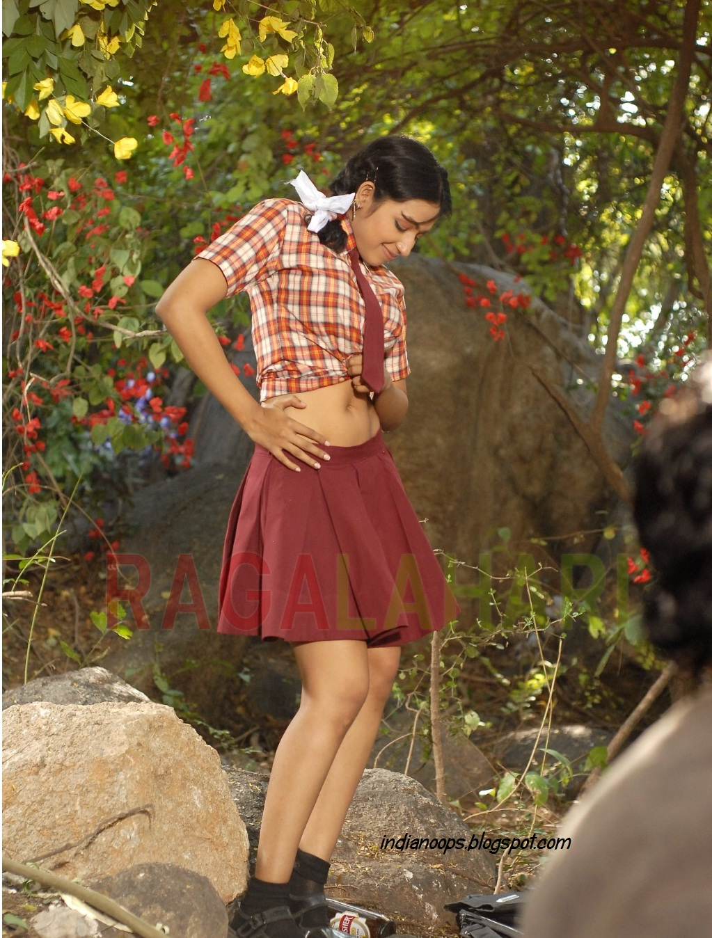Enjoy Indian Real Life Indian School Girl Teen Navel Show-8652