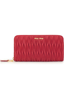 http://www.laprendo.com/SG/products/34660/MIU-MIU/Miu-Miu-Matelasse-Fuoco-Zip-Around-Wallet?utm_source=Blog&utm_medium=Website&utm_content=34660&utm_campaign=16+Jun+2016