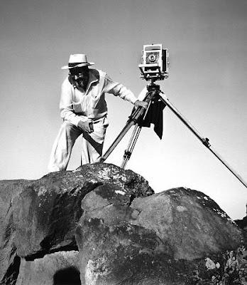 ansel adam pakai kamera large format foto landscape