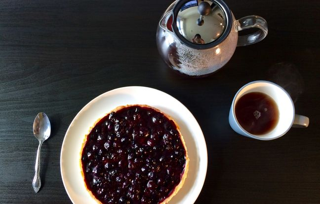 blueberry pie with shortbread crust