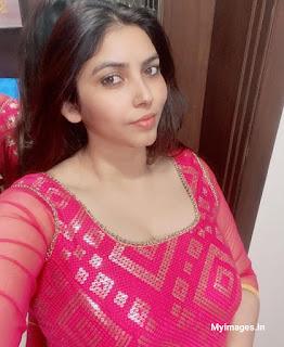 Beautiful Indian Bhabhi Photo Navel Queens