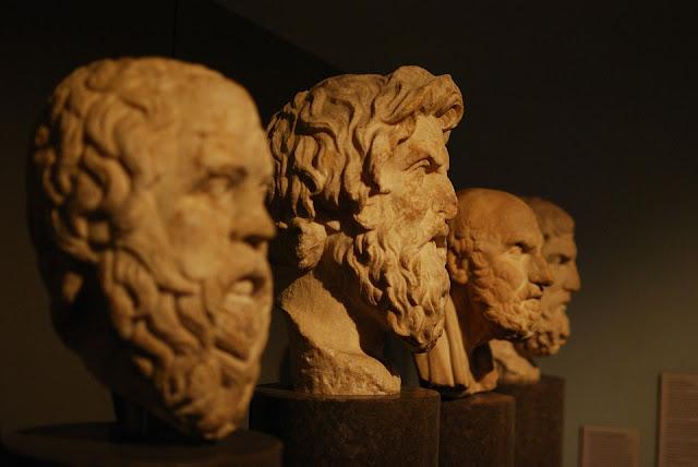 Enseñanzas de Sócrates sobre la felicidad