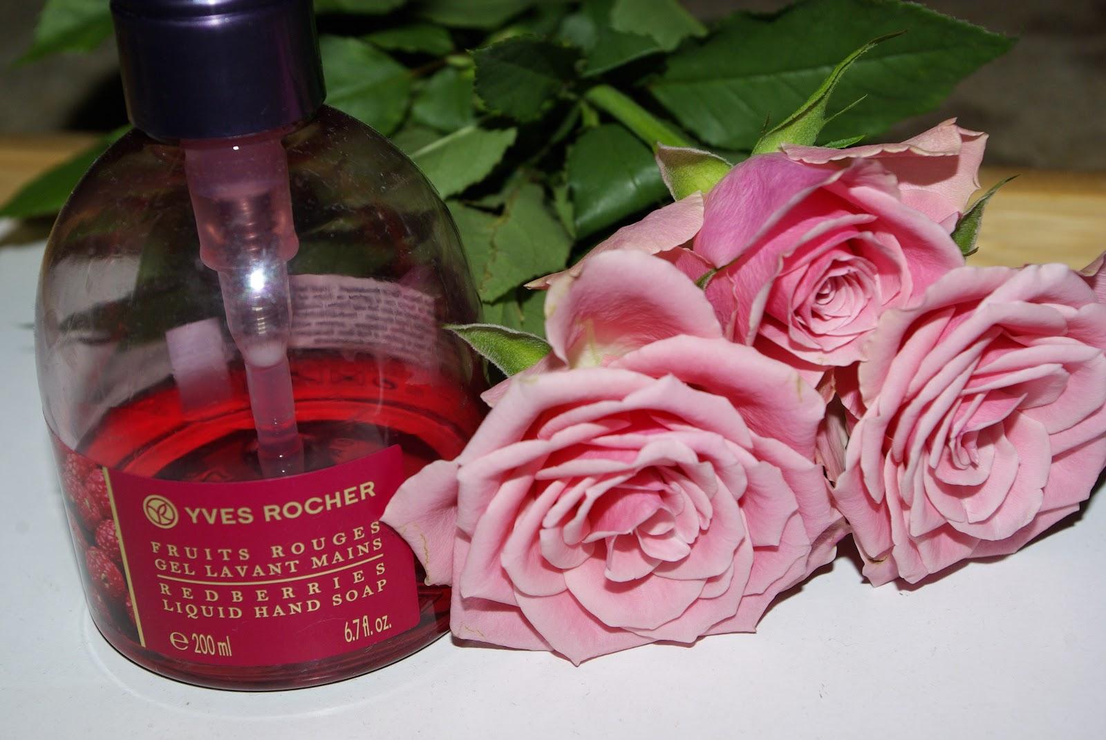 Yves Rocher - Żel do mycia rąk Świąteczna Spiżarnia, Czerwone Owoce