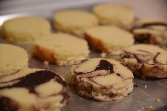Baked Alaska cake rounds