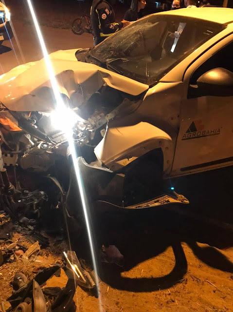 LEM: Mulher perde parte da perna após ter moto atingida por carro na Avenida Tancredo Neves