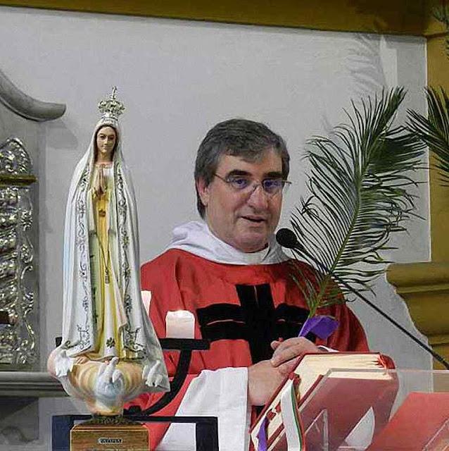 O Pe.José Luis Quijano que viu o rosto de Jesus na hóstia recém consagrada