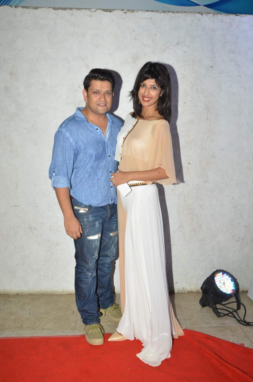 Hindi TV Actress Aishwarya Sakhuja Smiling Photos With Husband