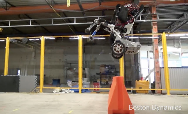 'Handle', the amazing Boston Dynamics robot that jumps and maintains balance with only two wheels
