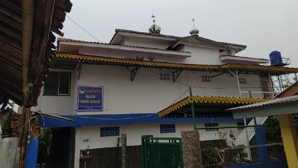Detik-detik Masjid di Jagakarsa Tersambar Petir, Listrik Sempat Mati