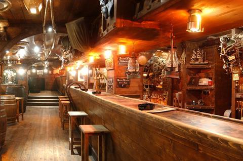 Se deliciar nos melhores bares de Lyon à noite