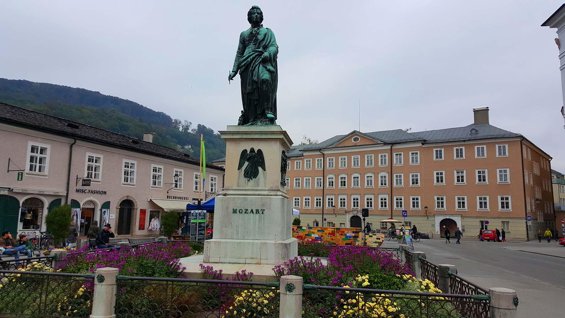 Mozartplatz em Salzburg, Áustria