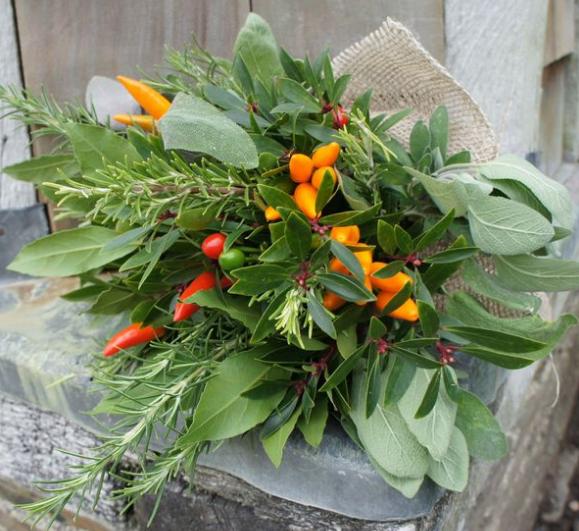 декоративный букет из садовых трав