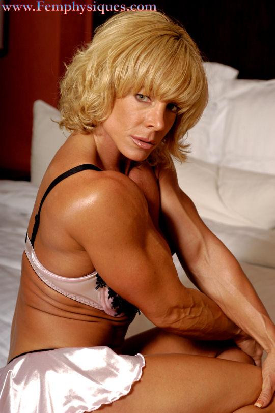 Female Bodybuilder Michele Burdick - Photo by Femphysiques