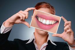 Hilangkan Karang Gigi Yang Membandel Dengan Baking Soda Dan Garam