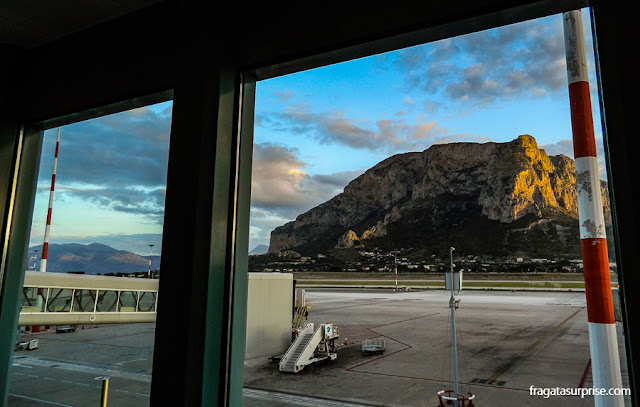 Aeroporto Falcone-Borsellino, em Palermo, Sicília