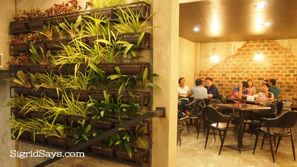 Crib green wall