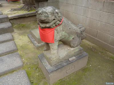谷末社狛犬