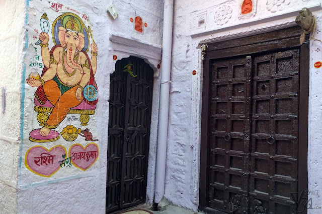 Another interesting feature of Jaisalmer city is this beautiful tradition depicting Ganesha on the wall paintings outside every house