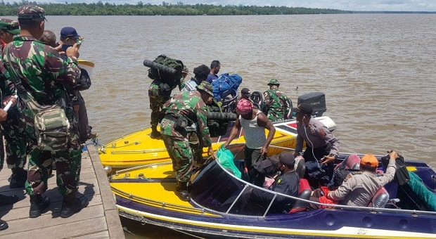 Tim Gabungan Satgaskes TNI Diturunkan Kepedalaman Asmat
