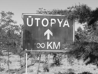 panneau-utopia-infini-km-noir-et-blanc