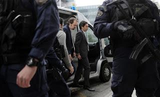 Ελεύθερος υπό αυστηρή επιτήρηση ένας από τους οκτώ Τούρκους