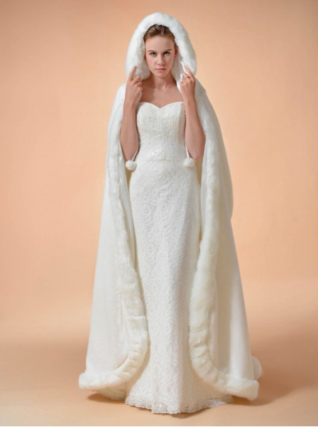 https://www.awbridal.com/patricia-faux-fur-cloak-color-ivory-awpj160u006cp-en/