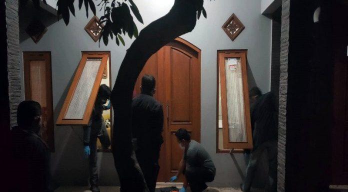 Satu Keluarga Ditemukan Membusuk di Dalam Rumah, Diduga Korban Pembunuhan