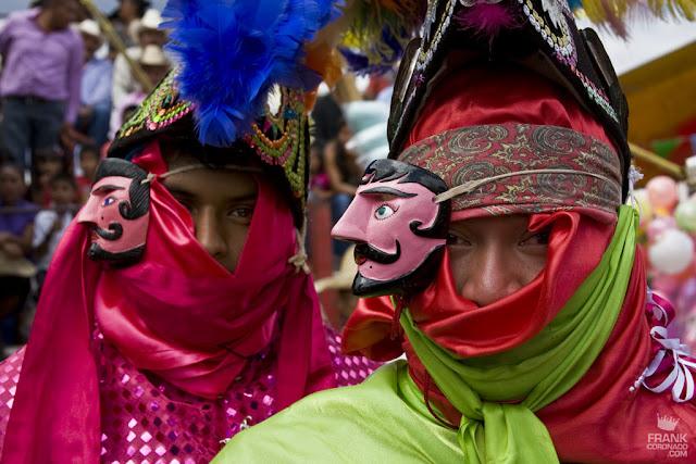 Trajes tipicos de Oaxaca fiesta San Pedro Ixtlahuaca