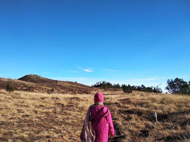 Pencapaian Titik Tinggi: Tadabbur Alam dengan Hiking Gunung1