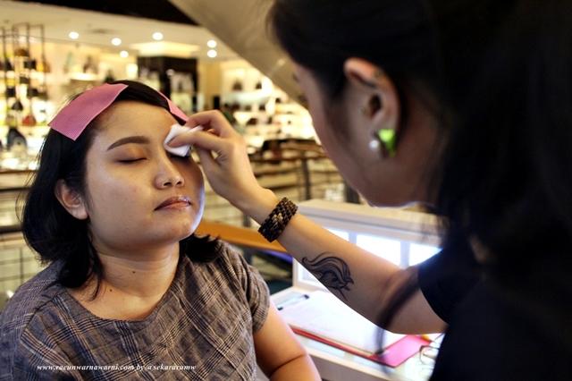 Proses Pembersihan Daerah Mata