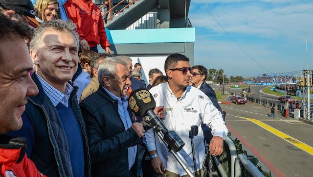"""Macri: """"La misma pasión que hay en el TC hay que ponerla en el país"""""""