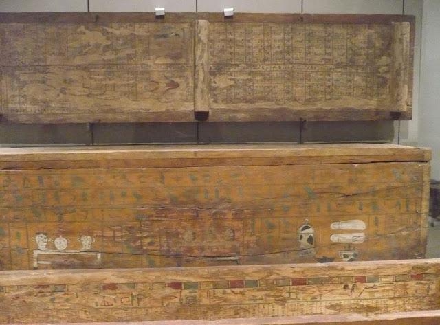 sarcofagi in legno al museo egizio
