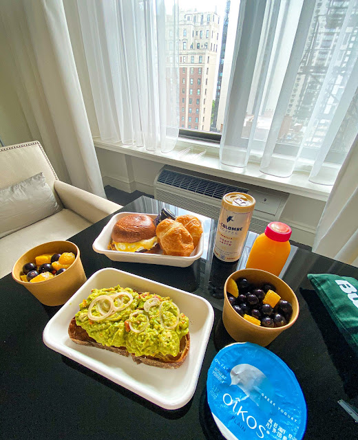 Breakfast - Ambassador Chicago - Hotel