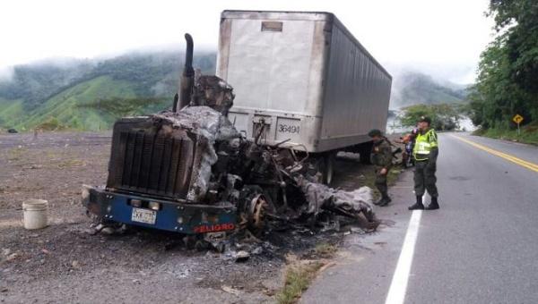 Tres camiones incinerados en menos de 24 horas en Colombia