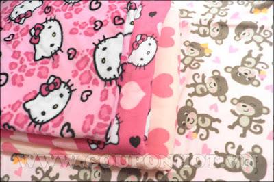 Chăn nỉ hoạt hình Hello Kitty