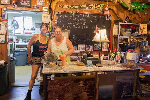 Joanie's Blue Crab Cafe  U. S. HWY. 41 Ochopee Florida - #dipitontour