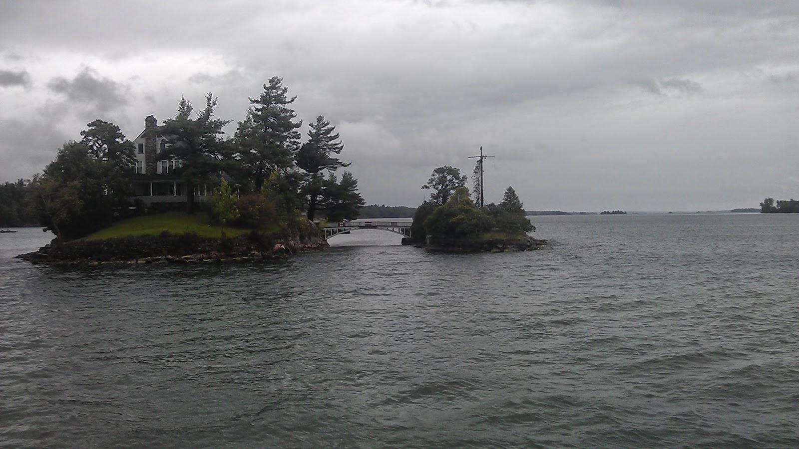 連接美加小島的橋