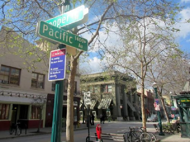 Compras na Pacific Avenue em Santa Cruz