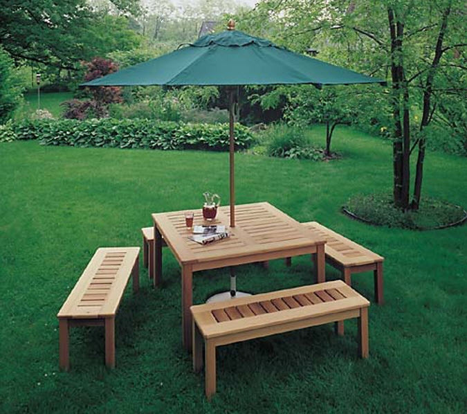 Example-of-Outdoor-Umbrella-Table-Plan-in-Teds-Woodworking
