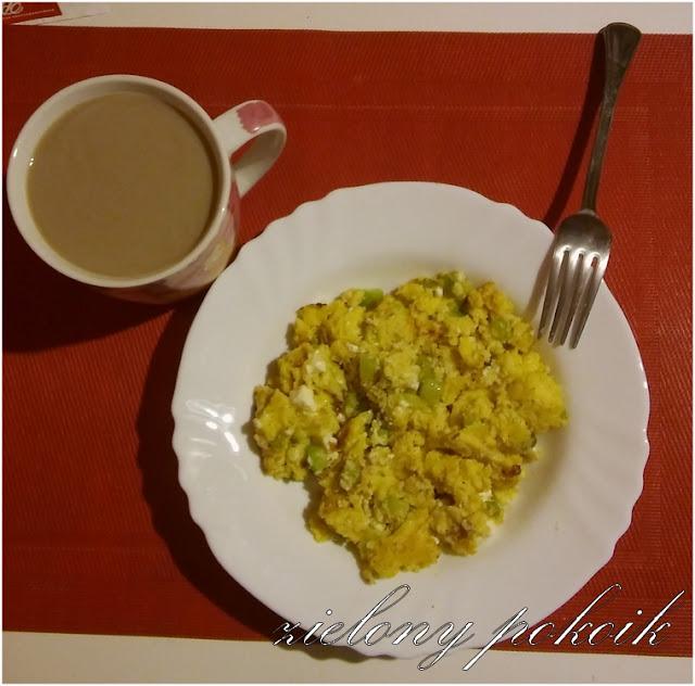 Kulinarnie: Jajecznica z fetą i cukinią!
