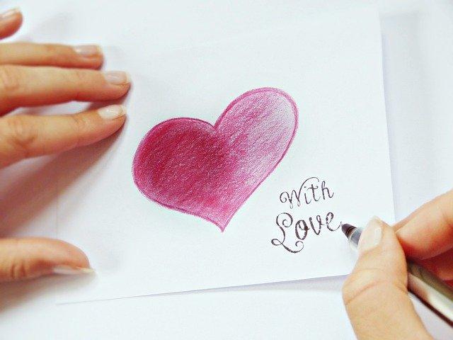 Love shayari and Romantic love quotes for girlfriend and boyfriend