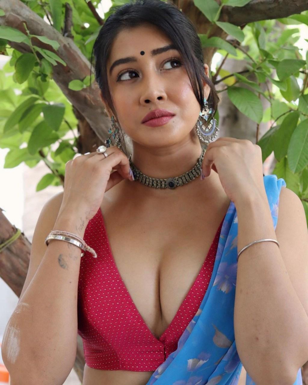 Model Actress Sofia Ansari Latest Hot Photos in Saree